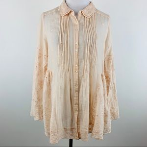 Natural Life NWOT embroidered button down top M